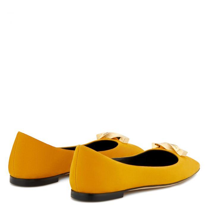 CONSUELO BALLET - Yellow - На плоской подошве